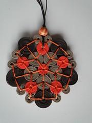 mandala laranja (VicheMaria) Tags: artesanato collar colares vies couro colarartesanal