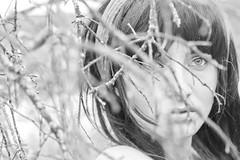 Vrjitoare (MaxiKohan) Tags: bw woman girl beauty photo retrato brunette belleza fotografa oana ramas portraitportraiture vrjitoare maxikohanphotography