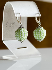 Зелено-белые серьги by olia_ri