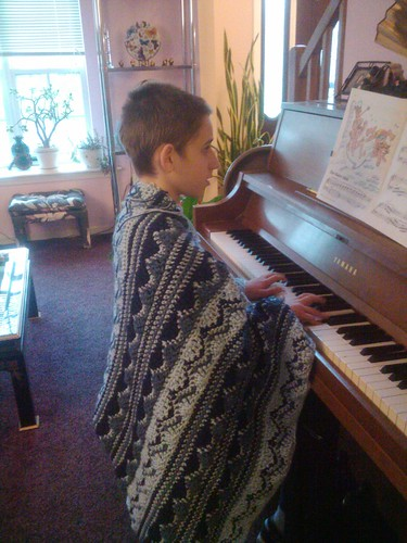 Jar's blanket at piano