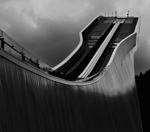 フリー写真素材, 建築・建造物, 運動・スポーツ, ウインタースポーツ, スキージャンプ, モノクロ写真, ドイツ,