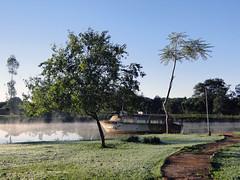 Lago do Hotel Carim (Rodrigo_Soldon) Tags: brazil cloud mist lake paran fog brasil lago dawn hotel see meer do nebel alba lac resort  amanecer nebula convention pr dmmerung sunrises neblina nuvem nebbia niebla brouillard amanhecer foz brume  nvoa iguau aube foschia        dageraad     carim