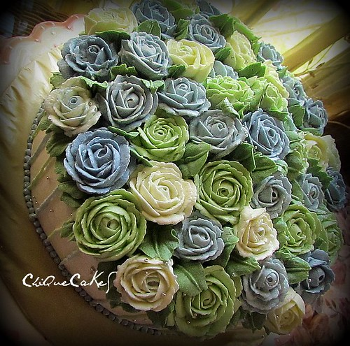 blue green roses