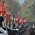 Guardia Real Británica - British Royal Guards thumbnail