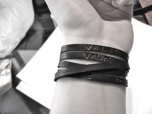 Valar Morghulis Bracelet 1: B&W Modeling
