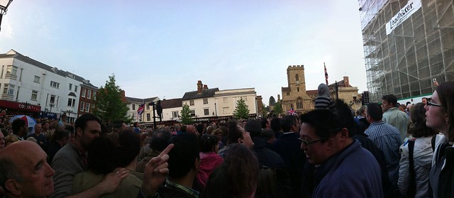 Crowd in Abingdon for the Bun Throwing
