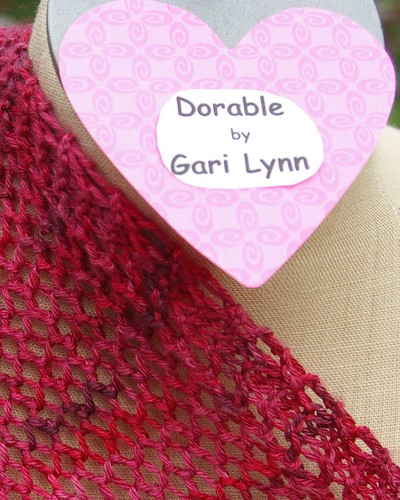 Dorable with heart label close up of edge and mesh