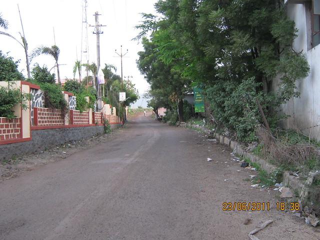 Way to Kumar Properties' Kumar Palmcrest, 2 BHK Flats, off Katraj to Saswad Road, behind Savitiri Palace Mangal Karyalaya, on Khadi Machine Chowk (Kondhwa Road) to Undri Chowk, Pisoli Gram Panchayat, Pune 411 028