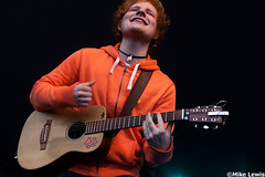 Ed Sheeran (Mike Lewis - Photography) Tags: beach wales canon ed break live south indie acoustic 28 friday pembrey sheeran