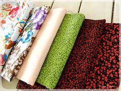 tecidos de Abril (litllefabricris) Tags: flores cores handmade amor artesanato craft com bolsas tecidos organizadores costura florais feitoamão
