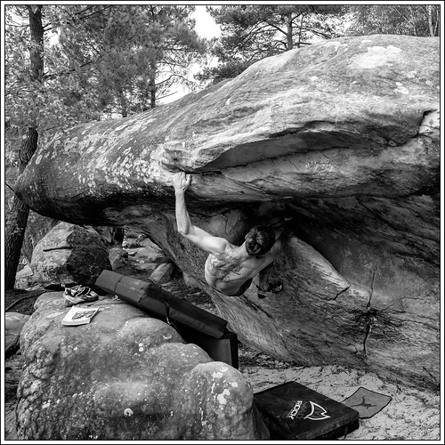 www.boulderingonline.pl Rock climbing and bouldering pictures and news Absurdomanie (raccourci)