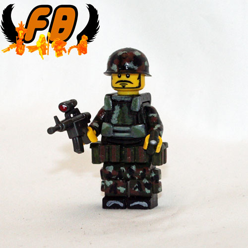 Custom minifig Jungle Trooper custom minifig