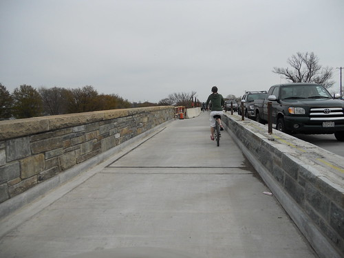 Mount Vernon Traiil at the Humpback Bridge