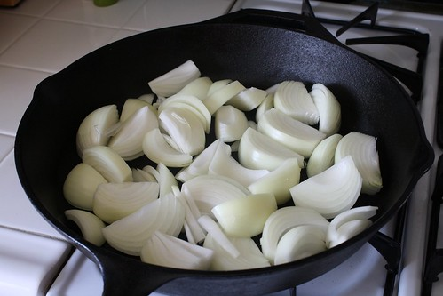 Pan lined with onions