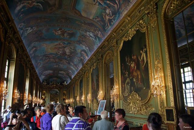 Galerie Dorée, fastueusement décorée