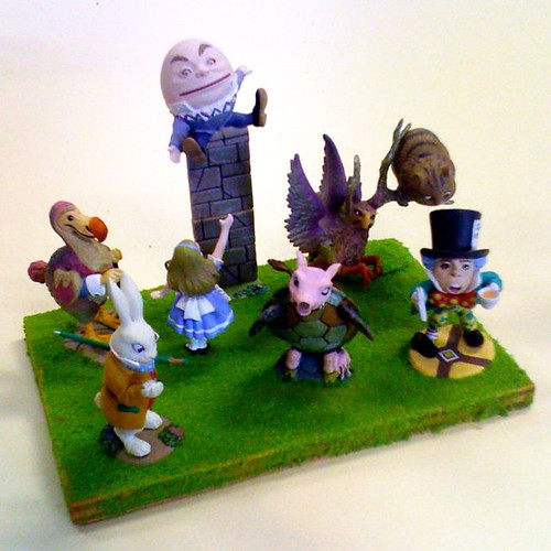 Alice in Wonderland figurines from Kaiyodo