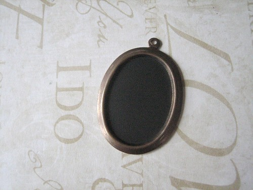 chalkboard necklace diy - fchalkboard application applied and dried!