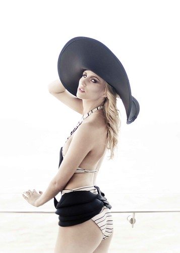 Outfit4(Angela Bollam)b