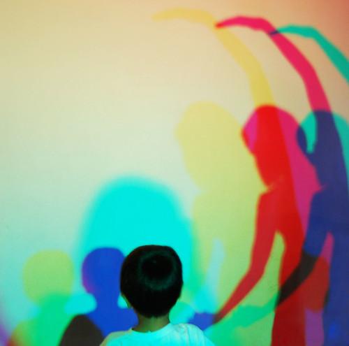 El niño y las sombras
