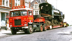 Wynns Scammell Amazon Heavy Haulage Tractor Unit No.632, AHB 807T with Steam Locomotive No. 31638. (rjp228) Tags: amazon southern barry heavy railways 1638 scammell bluebellrailway haulage wynns heavyhaulage 31638 woodhams woodhambros ahb807t