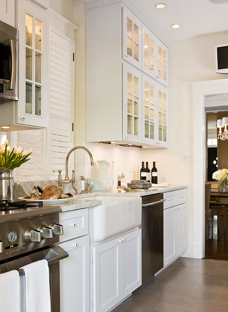 Kitchen White and Airy via Michaela Noelle Designs