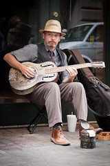 Dobro (staxnet) Tags: street musician canon french photography is quarter 5d 70200 f4