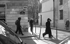Paris 02/2010 (Hai Son Eros) Tags: tmax400 nikkor35f14 nikkonfm2