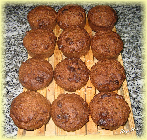 MUFFINS CON CACAHUETES DE CHOCOLATE