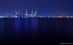Blue O2 / North Greenwich / London (zzapback) Tags: city uk england urban london thames night river big nikon long exposure angle nacht britain united capital greenwich great north wide o2 kingdom arena le gb 24mm f28 stad thamespath engeland londen rivier groothoek hoofdstad koninkrijk sliceofreality verenigd blackwallpoint d700 zzapback zzapbacknl northumberlandwharf