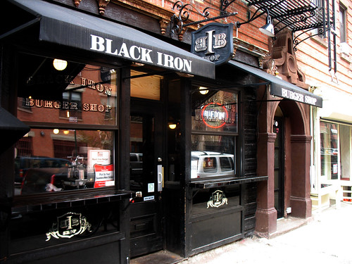 black_iron_burger_photo_01