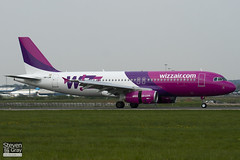 HA-LWI - 4628 - Wizzair - Airbus A320-232 - Luton - 110418 - Steven Gray - IMG_4031