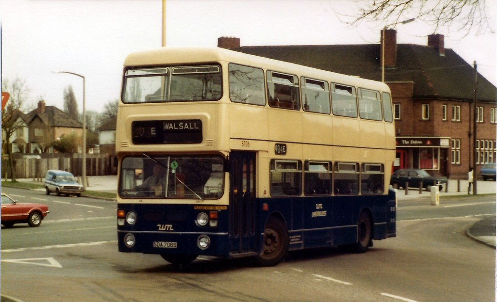 SDA706S - Delves Hotel 1982