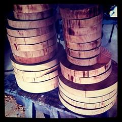 もはや貴重すぎるサクラの大判板材。今あるストックを全て大皿用に木取りしました。次に続く材料を探さねば…