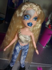 Ke$ha is finished!!! (BlackKat ~SWITCHING ACCOUNTS SOON~) Tags: animal glitter who it off we r take custom puke rina cannibal bratz tok xpress tik keha