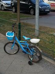 neukoelln_fz50_1100969 (Torben*) Tags: blue berlin bike geotagged pavement panasonic blau fahrrad neukoelln brgersteig fz50 rawtherapee geo:lat=5246547956367953 geo:lon=13421516185677774