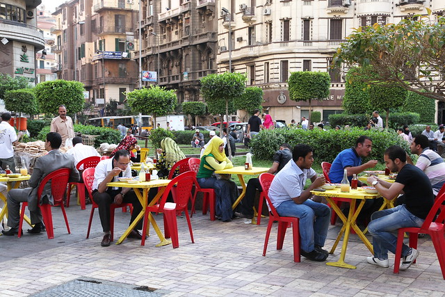 エジプト、カイロの路上カフェ
