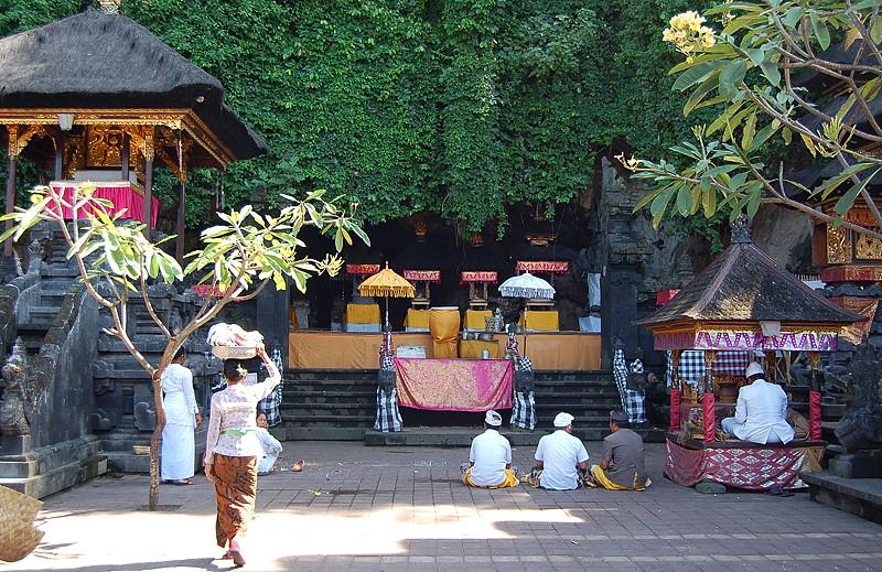 _Bali_shrine_