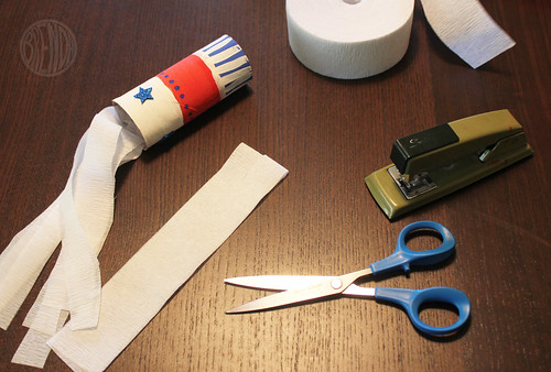 attaching streamers to paper tubes
