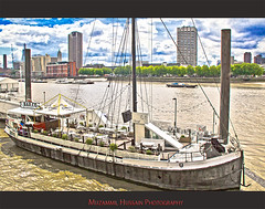 Floating Bar (Muzammil (Moz)) Tags: uk london moz victoriaembankment floatingbar riverthams muzammilhussain
