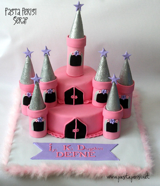 Castle Cake - Defne