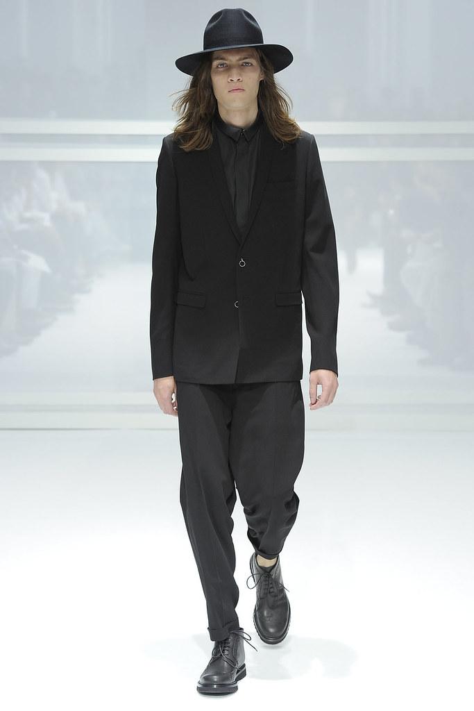 SS12 Paris Dior Homme039_Marcel Castenmiller(VOGUEcom)