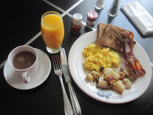 Breakfast at Colonnade Hotel