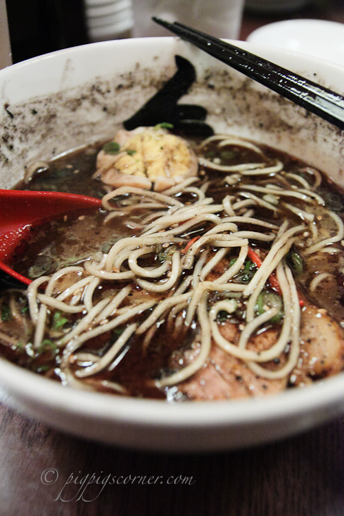 Hide-Chan, New York - Hakata Kuro Ramen