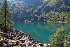 Une eau turquoise (Chemose) Tags: montagne mountain lauvitel turquoise lac lake water eau parcdesecrins isère dauphiné france canon eos 7d août été august summer hdr