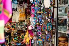 Artesanas Mexicanas (Luis Lucka) Tags: chango bho cermica manualidades collares figuras colores artesanias