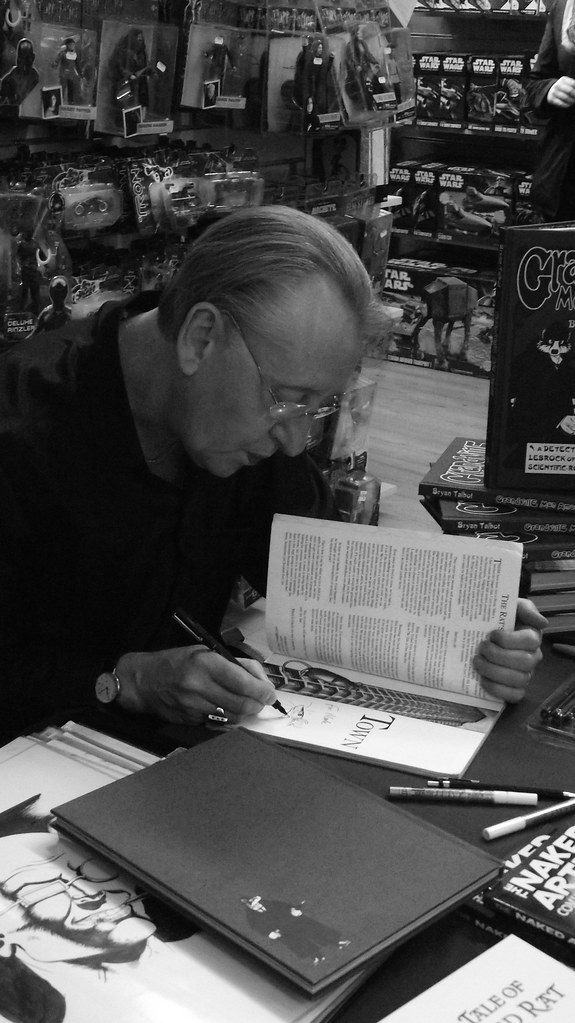 Bryan Talbot signing Forbidden Planet Edinburgh 06