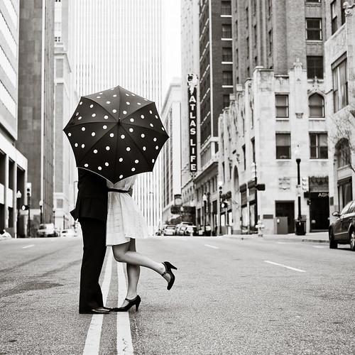 umbrella kiss