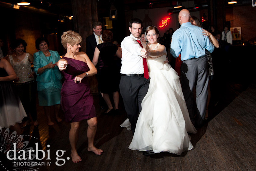 Darbi G Photography-Kansas city wedding photographer-hobbs building-DarbiGPhotography-041611-CaitJeff-w-6-349-1