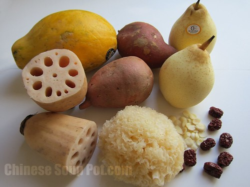 [Photo-Ingredients for Snow Fungus Papaya Pear and Sweet Potato Soup]