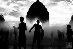 Monumento a la Revolución - 22/04/2011 - 25 (HippolyteBayard) Tags: canon mexico agua fuente unam sombras ciudaddemexico semanasanta distritofederal monumentoalarevolución juancarlosmejiarosas perrarabiosa escuelanacionaldeartesplásticas